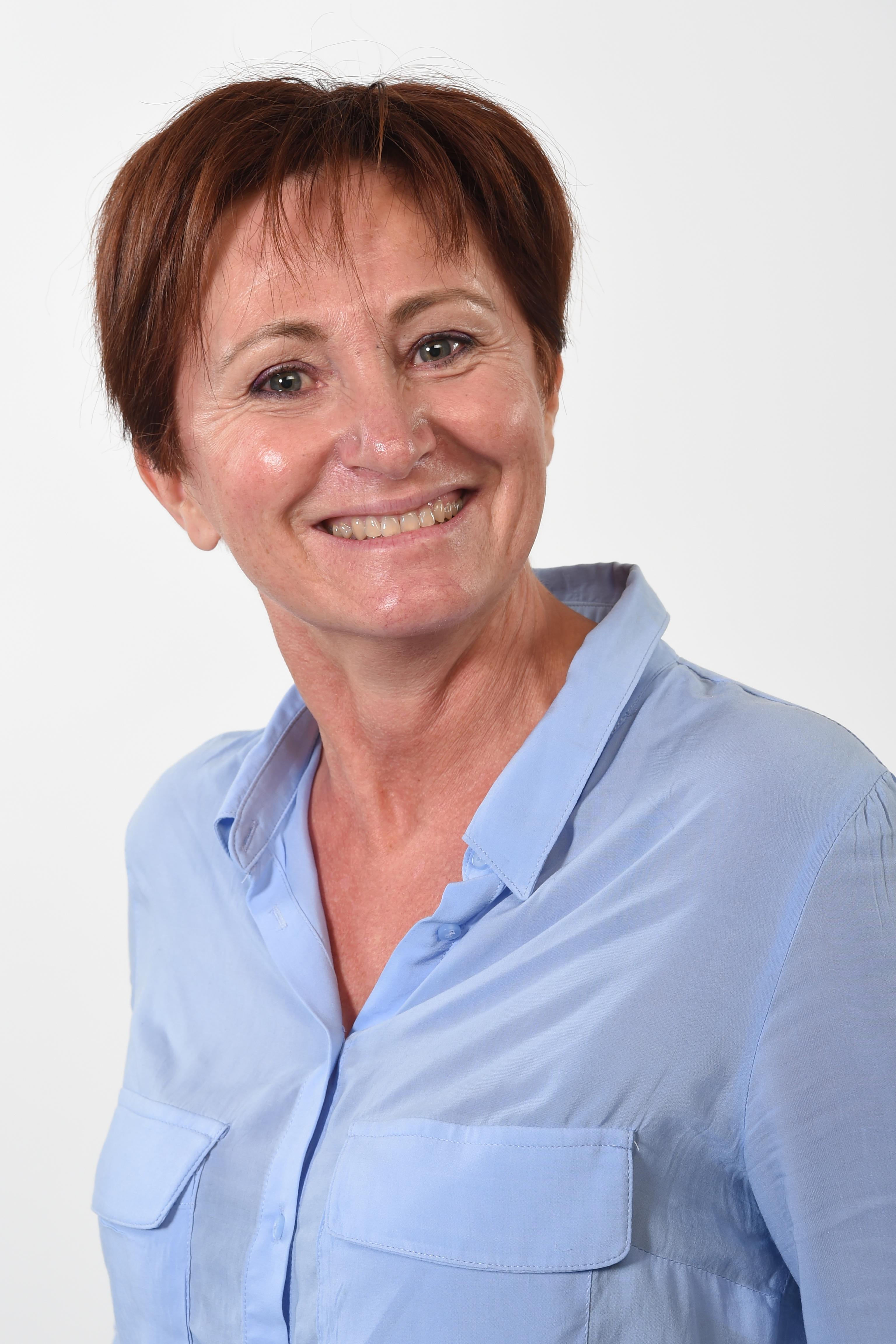 Véronique ROUSTAIN